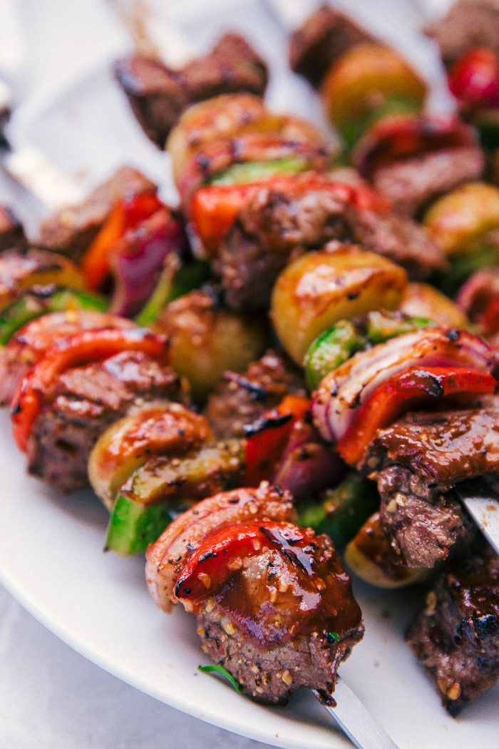shish kabob recipe made with red and green peppers for a delicious cookout meal by The Food Cafe.